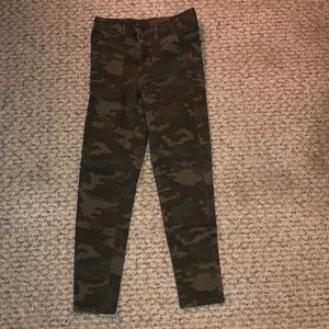 Camouflage Hi-Rise Jeggings Crop